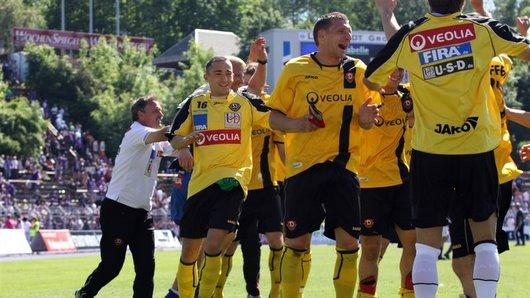 Siegesfeier am letzten Spieltag gegen Aue
